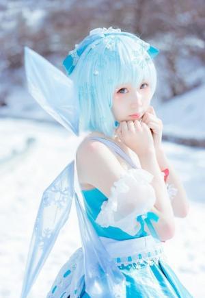 洁白可爱小妹妹co氷の小さな妖精图片
