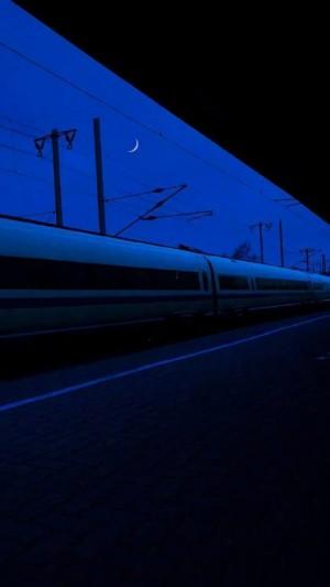 深蓝冷淡风景摄影手机壁纸