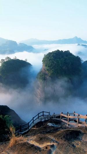 云雾缭绕的武夷山
