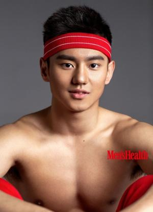 宁泽涛登《男士健康》封面展示年轻完美肉体