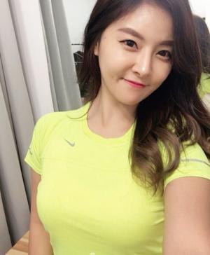 韩国健身美女宥京(Jung Yoo)性感私照