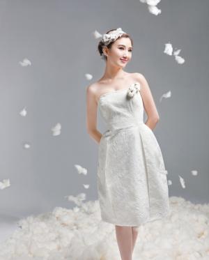 毛晓彤玫瑰纱衣极致迷人