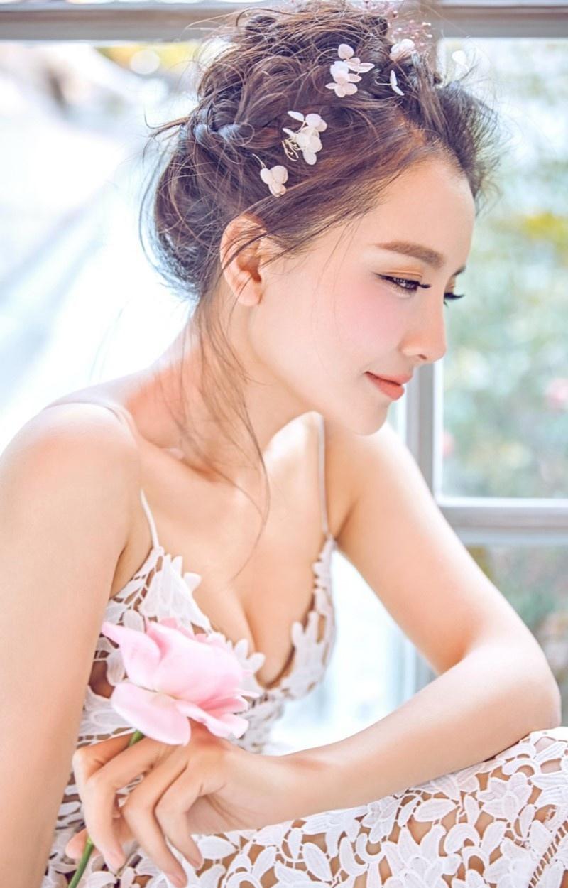 气质美女孙茜唯美婚纱写真