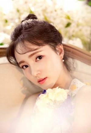 程小蒙唯美清新花仙子写真图片