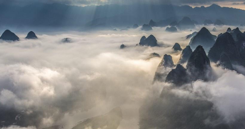 唯美漓江云海风景