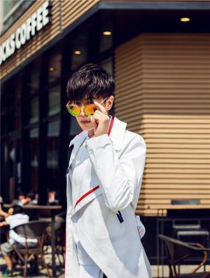 张若昀身材堪比男模