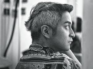 吉杰头发为什么是白的
