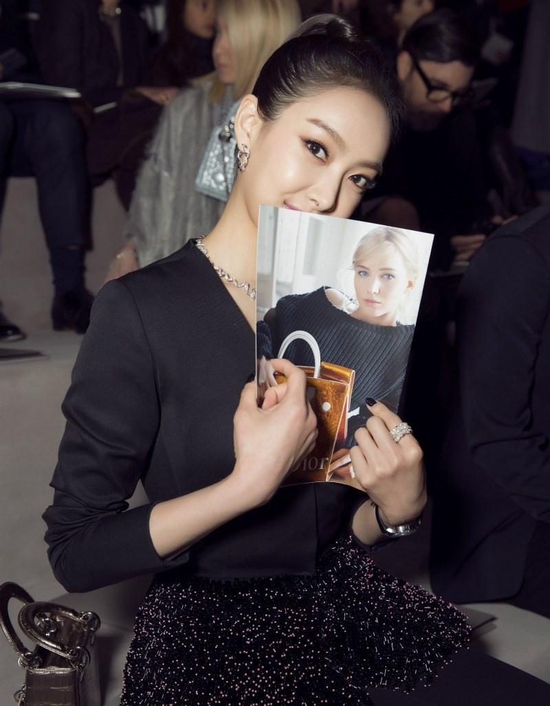 宋茜时装周闪耀巴黎写真