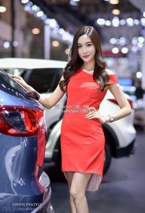 南京车模特氧气美女田雅妮最新车展写真