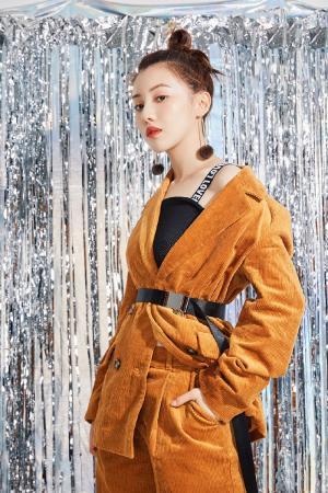 王鹤润百变时尚杂志写真