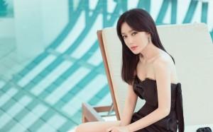 秦岚妖娆黑裙写真图片桌面壁纸
