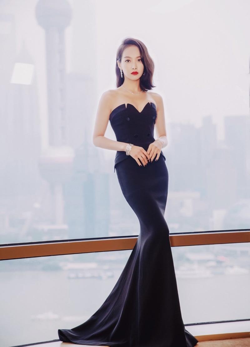 宋茜红唇黑裙尽显优雅写真大片
