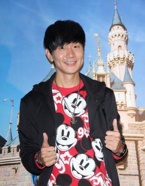 林俊杰为香港迪斯尼乐园主题微电影《幸福的原点》做宣传