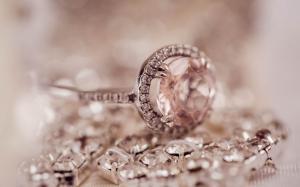 订情订婚戒指图片