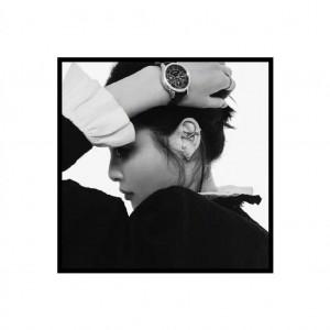 辛芷蕾优雅摩登气质黑白写真