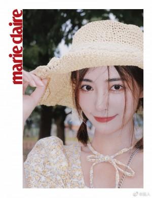 许佳琪印花泡泡袖连衣裙清纯甜美写真图片