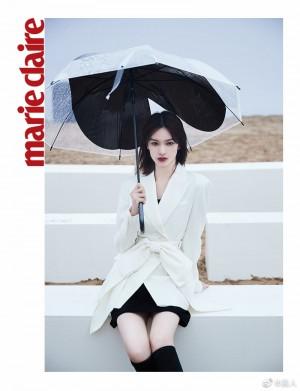 邱天白色蝴蝶西装甜酷范写真图片