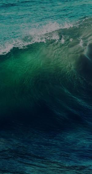 浪花好像翡翠般的通透