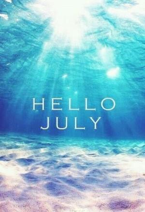 七月迷人的海底
