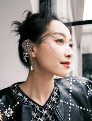 宋茜黑色系造型酷美时尚街拍图片