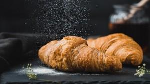 早餐美味的多样面包