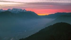 斯洛文尼亚唯美日出风光高清桌面壁纸