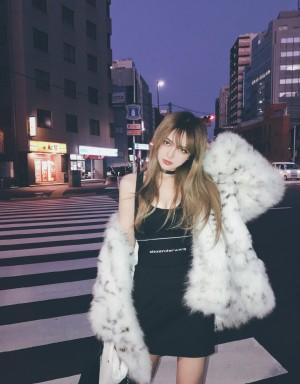 周扬青时尚酷美街拍写真图片