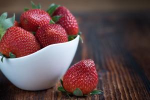 草莓超高清壁纸背景图片素材