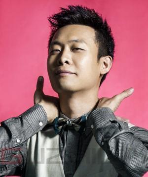 李荣浩与张译《时装男士》杂志拍摄写真图片