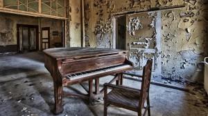 破旧乐器复古风格高清桌面壁纸