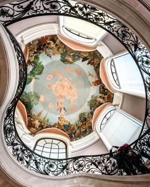 巴黎小皇宫(Petit Palais)内的楼梯和圆顶