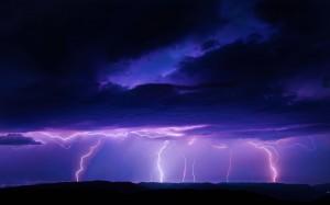 自然界中難得一見的閃電景觀