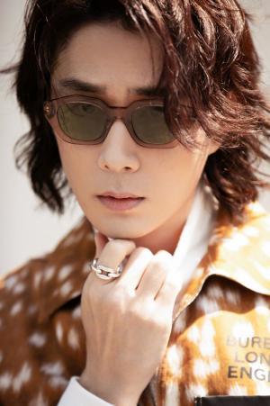 李承铉帅气养眼时尚写真图片