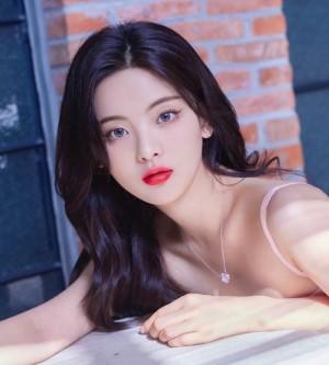 杨超越俏丽清甜少女写真图片