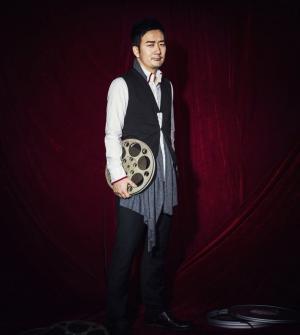 《小苹果》演唱者筷子兄弟为商界杂志订阅拍摄写真
