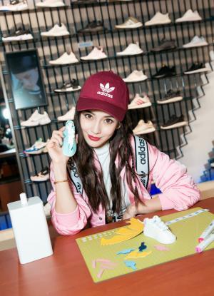 杨颖adidas品牌代言活动照图片