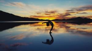 瑜伽唯美优雅图片壁纸