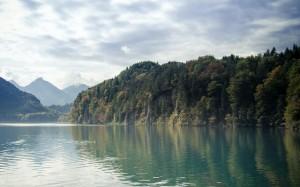 秀美的湖光山色美景意境
