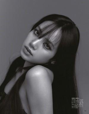 LISA酷美时尚杂志封面大片