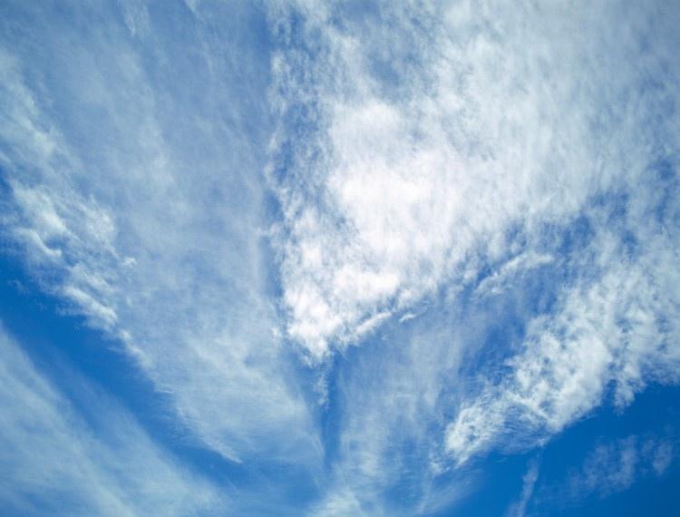 漂亮的蓝天白云图片