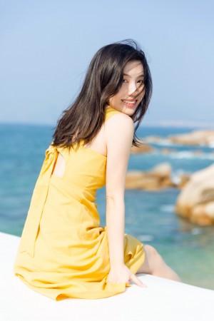 海边的阳光美少女