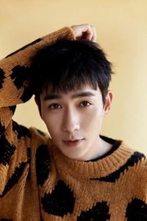 朱一龙巧克力曲奇毛衣时尚大片