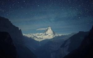 夜晚宁静的天空