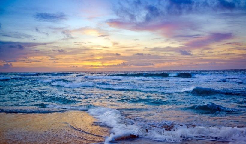 蓝色的大海图片