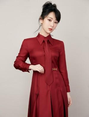 杨紫新年红妆甜美喜气写真
