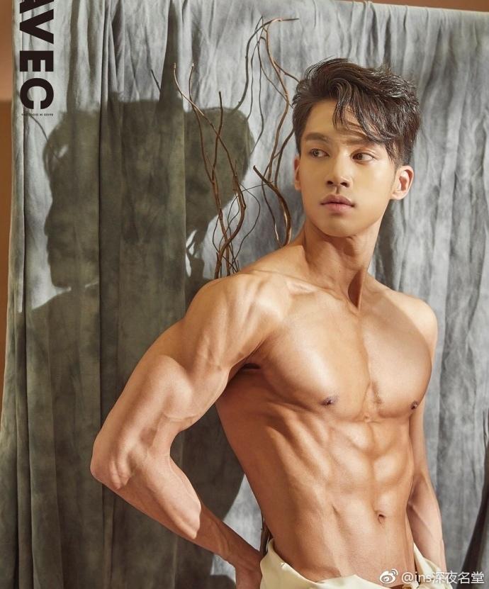韩国先生前三名的Gim yeong geun劲爆肌肉