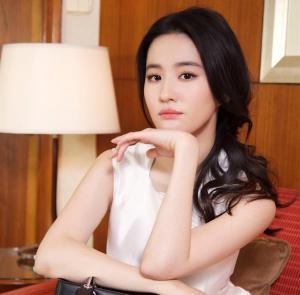 刘亦菲时尚写真图片