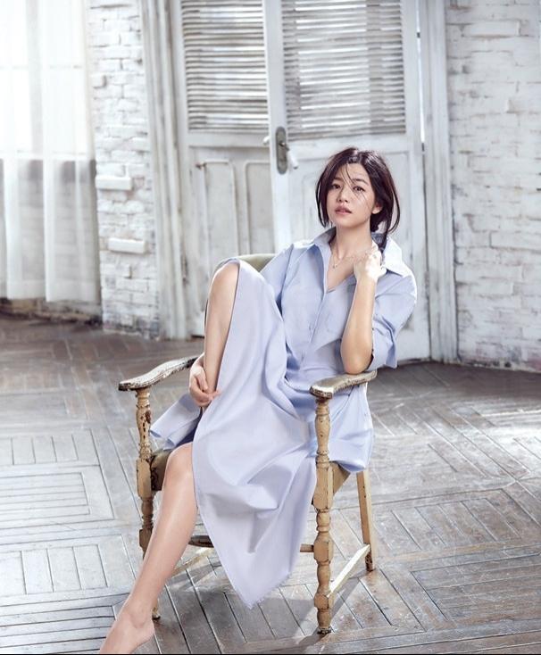陈妍希产后复出再战时尚圈 从心释放闪亮魅力写真
