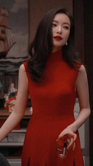 倪妮红裙性感优雅写真