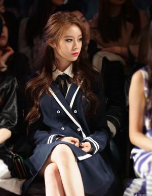 Tara成員樸智妍首爾時裝周驚艷圖片